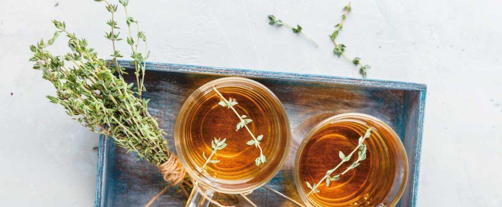 Infusión de tomillo plantas aromáticas para la tos